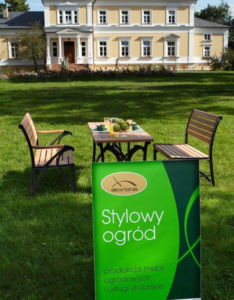 stolik i ławki ogrodowe drewniane muzeum
