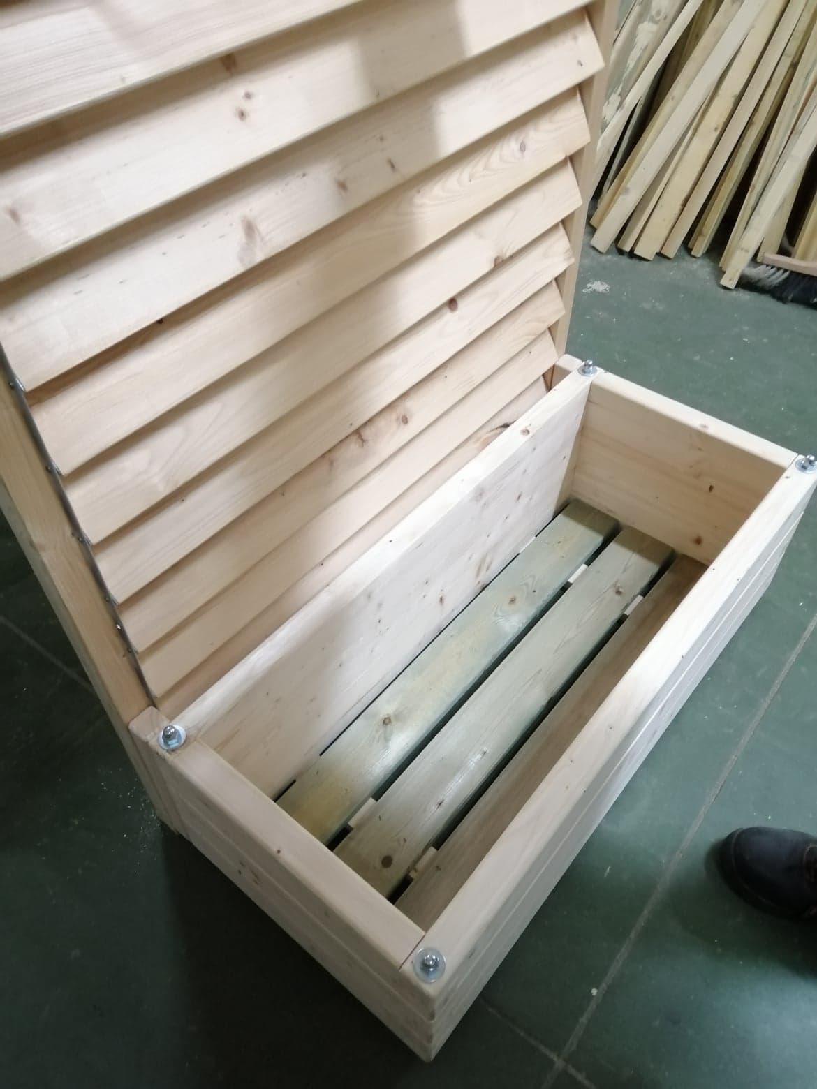 Donica drewniana z żaluzją