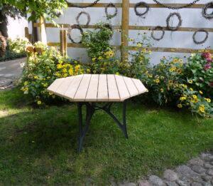 Meble ogrodowe drewniane stół